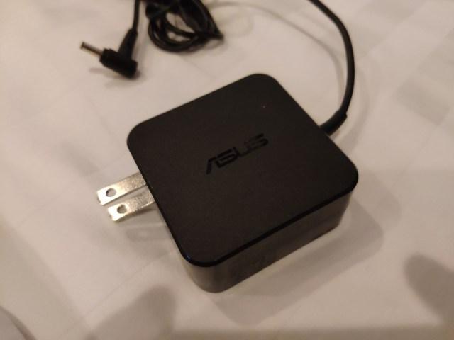 รีวิว ASUS ZenBook 14 UX433 โน้ตบุ๊กจอ 14 นิ้ว บาง เบา และมีการ์ดจอแยก 12