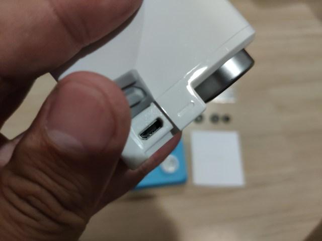 พอร์ต Micro USB 2.0 เอาไว้ชาร์จแบตเตอรี่