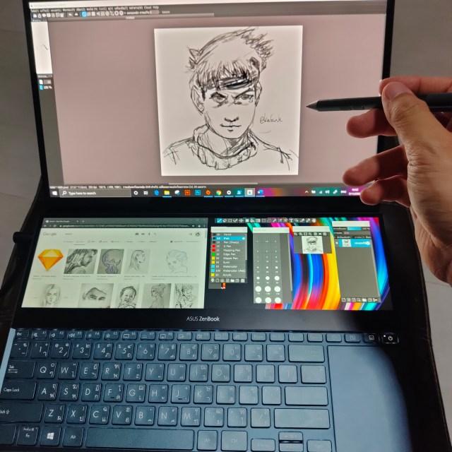 โน้ตบุ๊ก ASUS ZenBook Pro Duo UX581 เปิดโปรแกรมวาดภาพ เปิดเว็บเบราวเซอร์ และมีถาดเครื่องมือโปรแกรมวาดภาพอยู่บนหน้าจอที่สอง