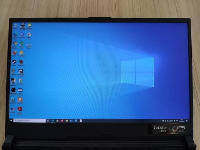 หน้าจอขนาด 17.3 นิ้วของโน้ตบุ๊ก ASUS ROG Strix G731GU-EV231T กำลังแสดงหน้าเดสก์ท็อปของ Windows 10 อยู่