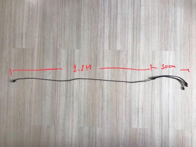 สายชาร์จ Choetech 3-in-1 วางยืดยาวเต็มที่บนพิ้นไม้ มีตัวเลขระบุความยาวของสายแต่ละช่วง โดยแบ่งออกเป็นสองช่วง คือ ตัวสายยาว 1.2 เมตร และส่วนหัวชาร์จแต่ละหัว ยาว 30 เซ็นติเมตร