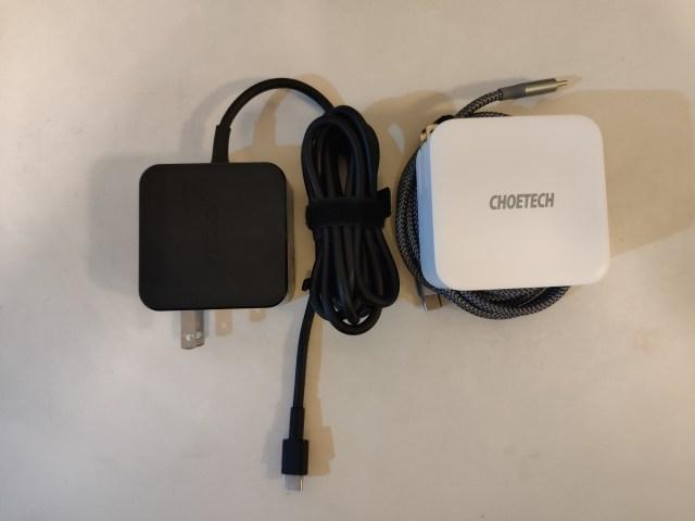 เทียบการจัดเก็บของที่ชาร์จ ASUS ZenBook S กับ Choetech PD 100W Dual USB-C Fast Charge