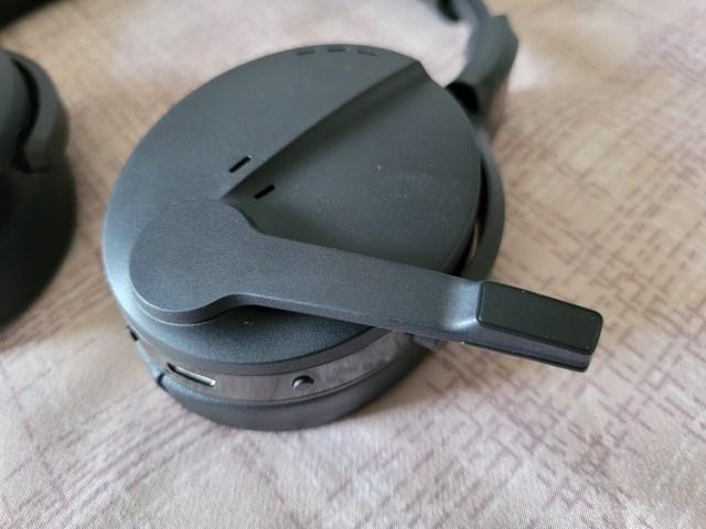 ไมโครโฟนของหูฟัง EPOS Sennheiser ADAPT 560 เป็นแบบพับเก็บได้