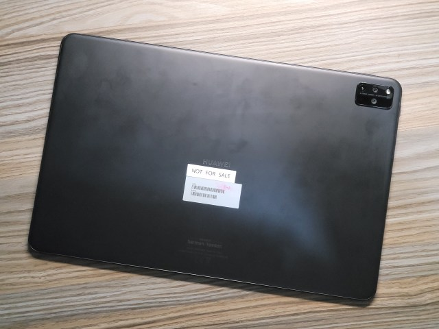 "Huawei MatePad Pro 12.6"" ด้านหลัง"