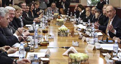 the two governments hold a jointmeeting