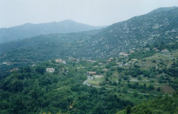 «OXI χλώριο στο υγιεινό νερό της Τ.Κ.Λυκαίου , κάτω τα χέρια από το νερό του χωριού μας»