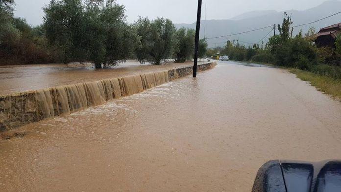 """Πλημμύρες και """"αυθαίρετες παρεμβάσεις"""" απειλούν την Καμάρα"""