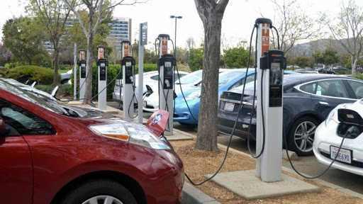 Πρόταση: Να γίνουν στην Μεγαλόπολη μονάδες παραγωγής εξαρτημάτων για την ηλεκτροκίνηση