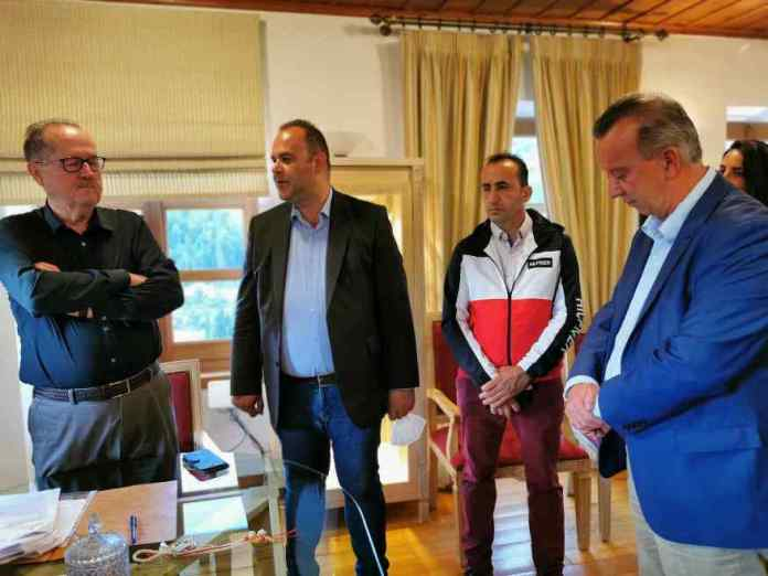 Περιφέρεια Πελοποννήσου – ΤΑΠΤοΚ: Υπογράφηκε η σύμβαση, ξεκινούν τα έργα στο γήπεδο Δημητσάνας