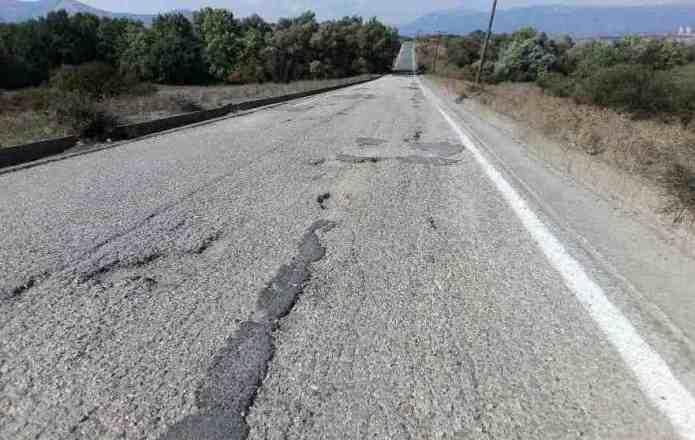 Καταγγελία στην αστυνομία για τις λακκούβες στον επαρχιακό δρόμο προς Ίσαρη-Βάστα