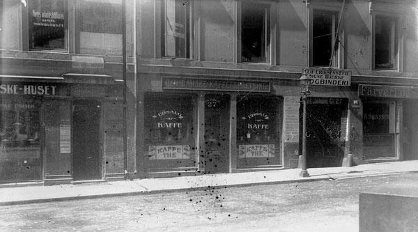 Histporisk bilde av den første Stockfleths-forretningen