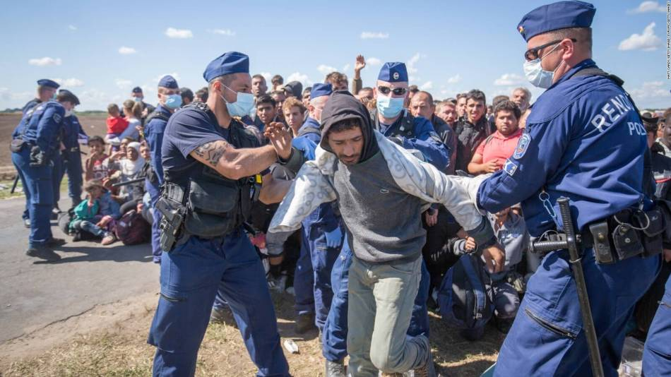 Hungary-migrants-2