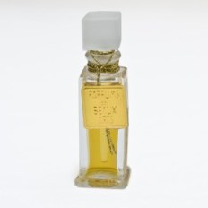 Le Smoking in the 5 ml antique bottle. Source: DSH perfumes
