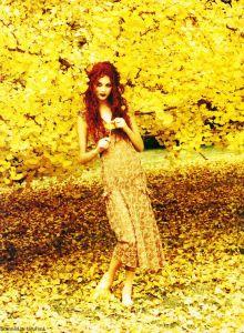 Photo: Ellen von Unwerth for Vogue, 1993. Source: Pinterest.