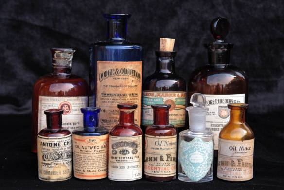 Antique Essential Oil bottles via Aftelier Facebook page.