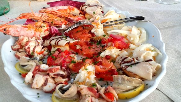 Seafood platter. One part of the first course. Photo: my own.