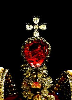 Romanov jewels. Source: Pinterest.