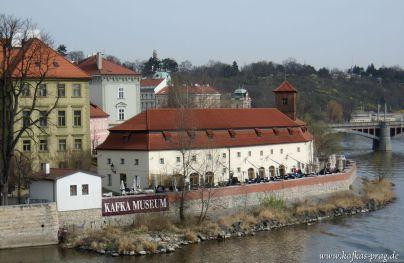 Werbetafel für das Kafkamuseum