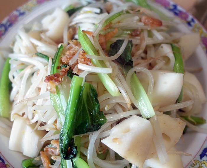 モヤシと小松菜とレンコンの中華炒め