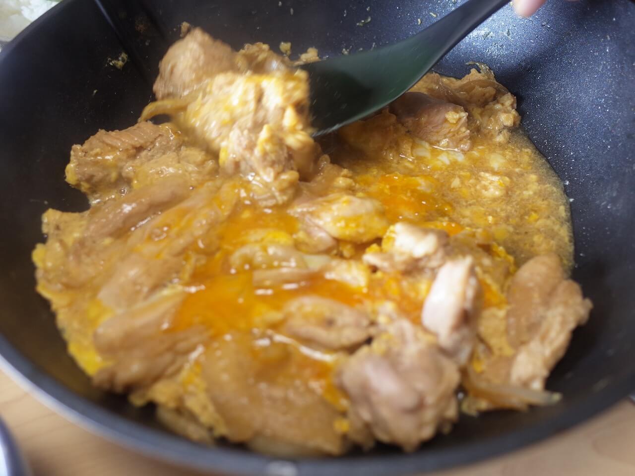 宮川のモモ正肉とタタキの親子丼