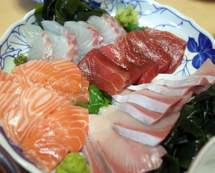 海鮮丼の刺身盛り合わせ
