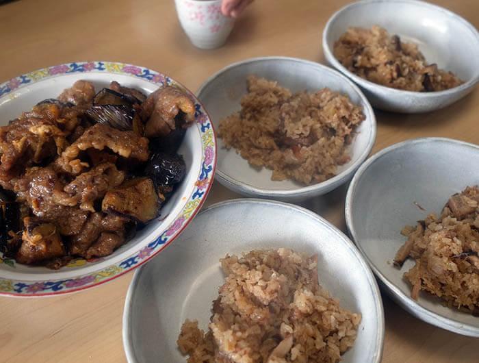 牛肉と茄子と卵の中華炒めと台湾風油飯