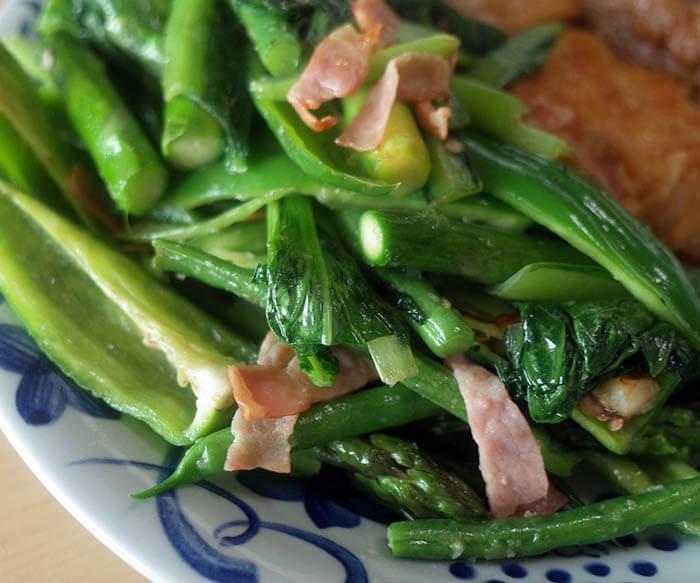 青野菜とベーコン炒め