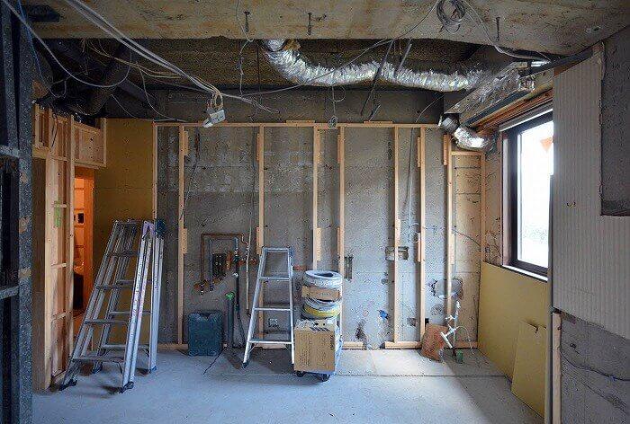 白金台E邸_大工の壁工事