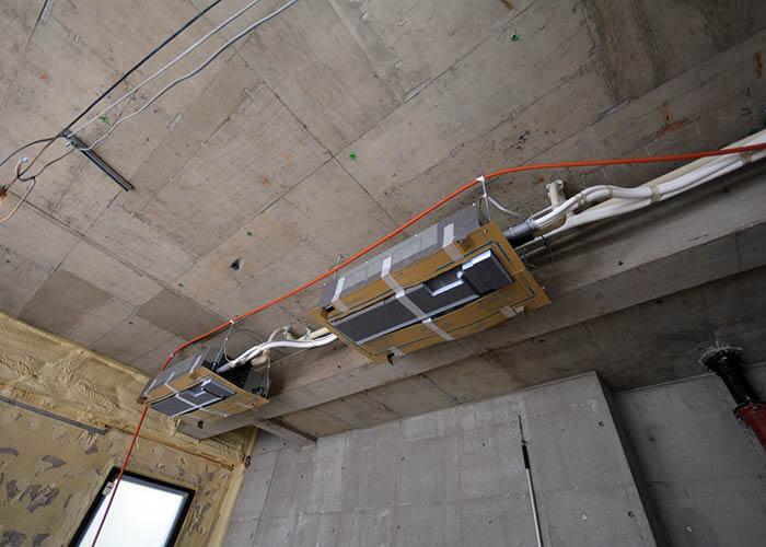ヴィンテージマンション_天井カセット式エアコの吊り込み