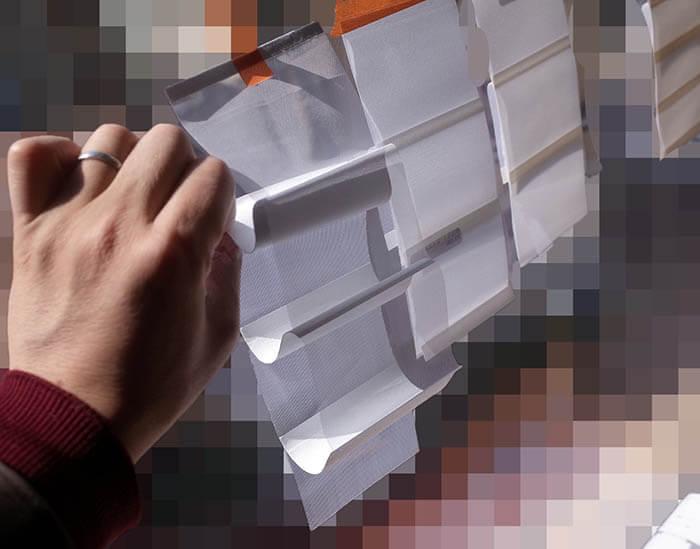 窓のハンターダグラスの見本確認