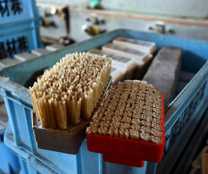 ピール加工用のブラシ