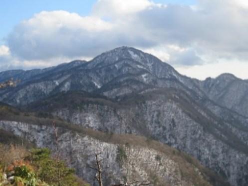 一際大きい蛭ヶ岳
