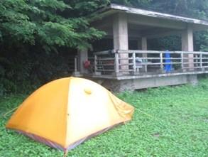 テントと休憩所