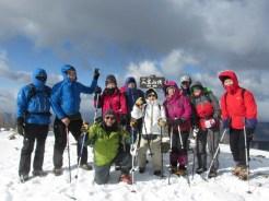 入笠山山頂:風が強く、周辺の山頂は雲の中