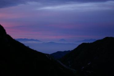 早朝の針ノ木小屋から見た富士山