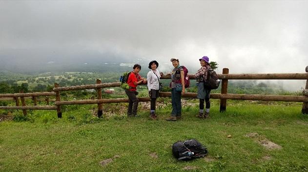 根子岳から下山途中