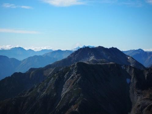 立山の向こうに槍ヶ岳