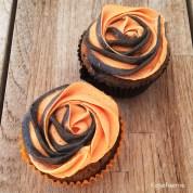 Appelsin chokolade cupcakes med appelsin chokolade frosting