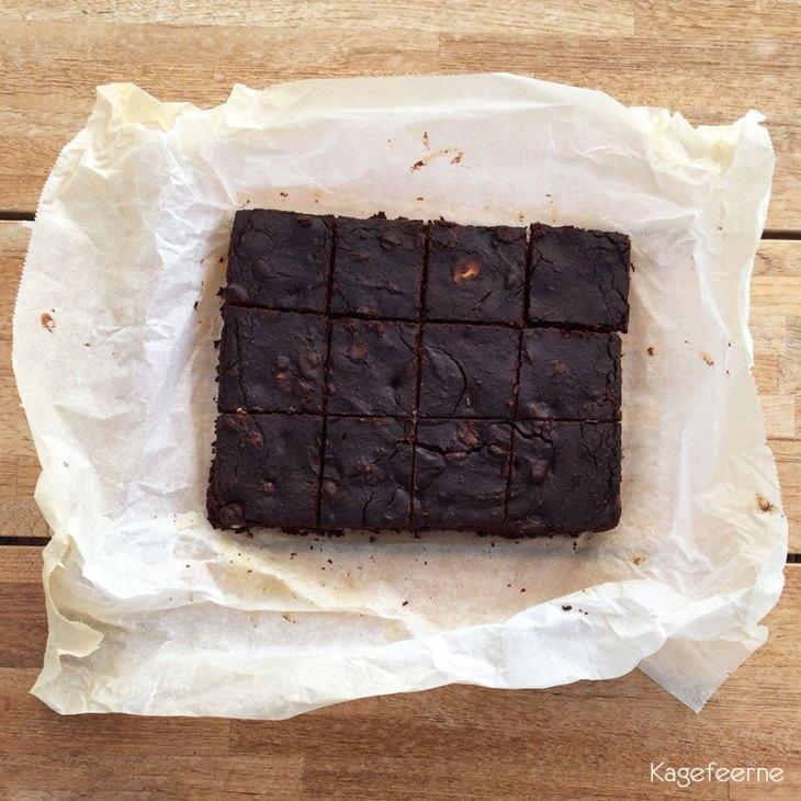 Brownie med sorte bonner