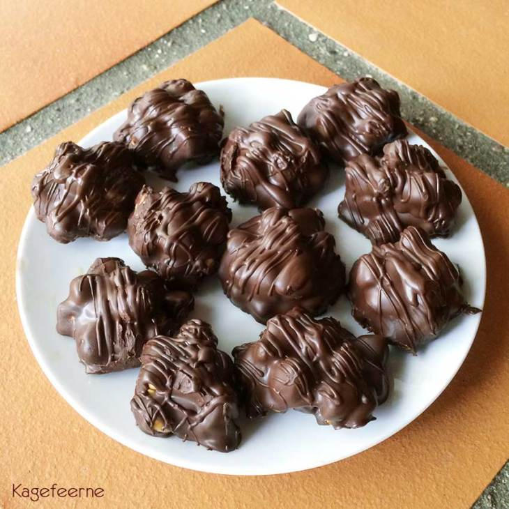 P-tærter med mørk chokolade