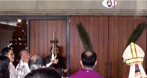 聖年の扉を開く直前