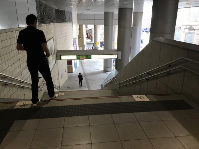 渋谷駅側に直接降りることができます。