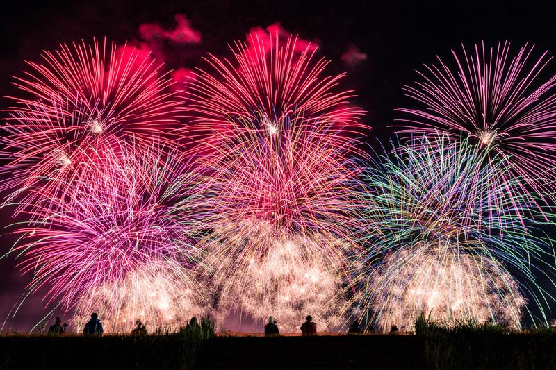 お祭りの花火