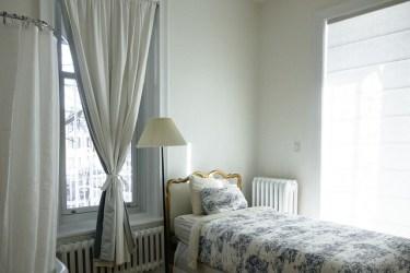 ベッドルームの表情をおしゃれなリネンカバーで一変させよう