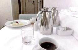 朝食はモーニングで