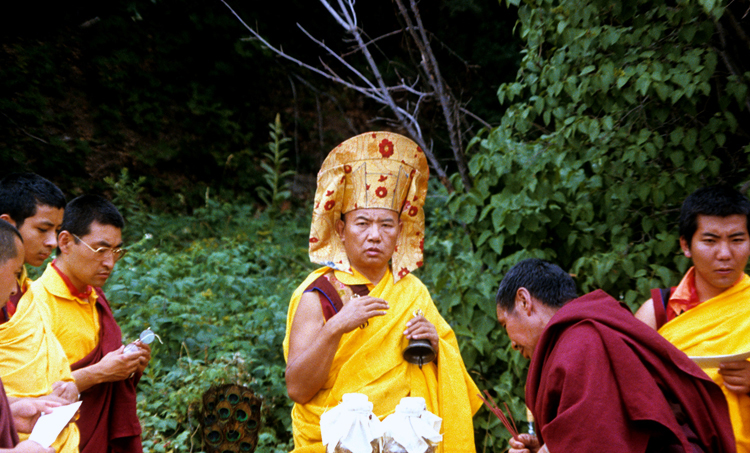 16th Karmapa consecrates the land at KTD