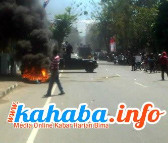 Demonstrasi penolakan kemenangan pasangan Qurma beberapa waktu lalu.