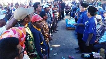 Pengukuhan tim pemenangan Pasangan SYUKUR di Langgudu. Foto: Bin