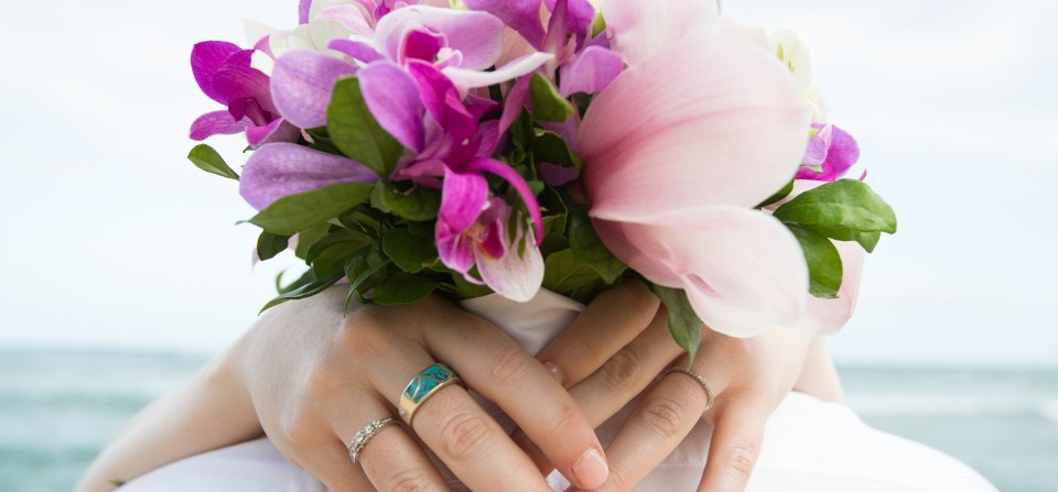 Flowers to tie the Knot