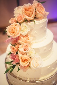 Kauai Wedding Photography | Wedding cake imagery by Kahahahawai Photography